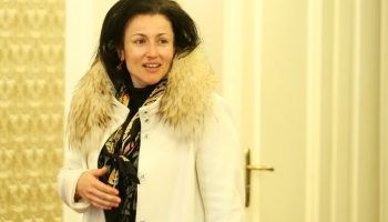 ЩЕДРОСТ: Десислава Танева брои 400 бона за кулинарно шоу